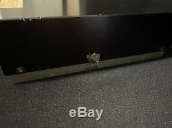 MESSENGER 300 Linear CB Ham Amplifier Clean & Functional